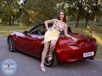 Aleksandra i Mazda MX-5