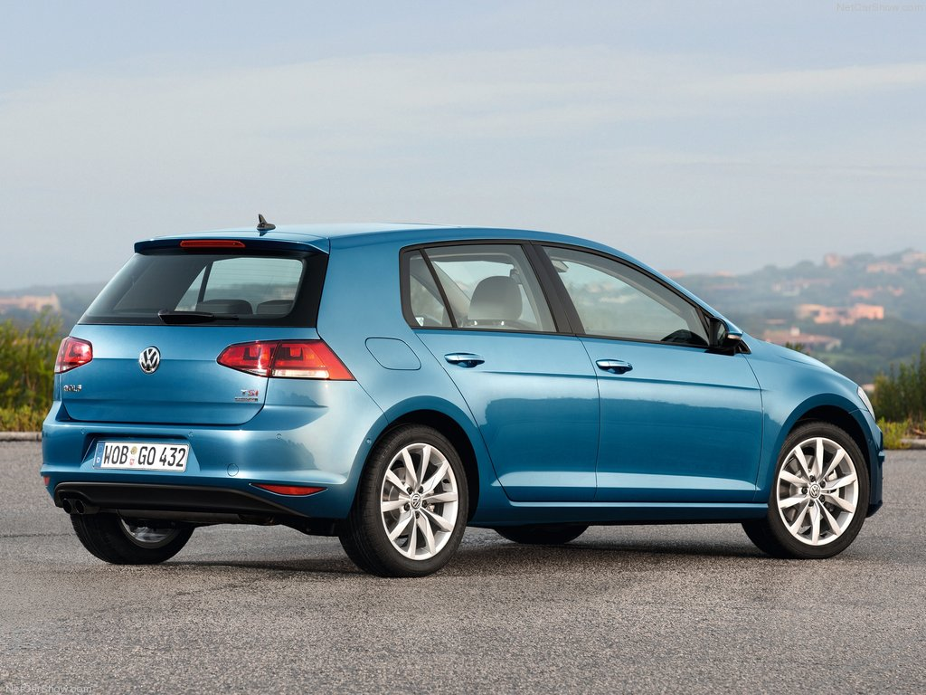 Volkswagen-Golf_04